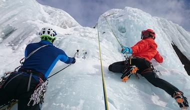 séminaire offsite escalade sur glace à champagny tour de glace
