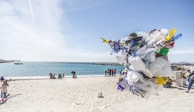 activité séminaire offsite action collective de collecte de déchets et randonnée pedagogique surf rider mountain riders